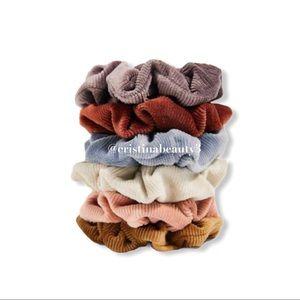 Accessories - 🙌 Scrunchies 🙌 6 Total @ Random